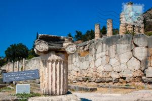 Ionic column reconstruction